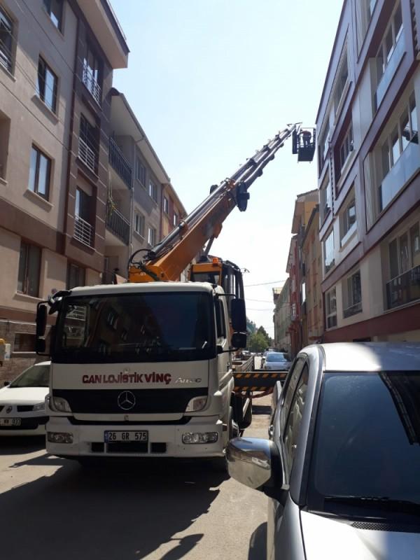 Eskişehir Sepetli Platform Vinç İle Dar Sokakta Yüksek Katlı Bina Çalışması