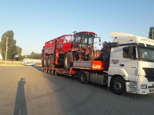 Lowbed Araç İle Pancar Söküm Makineleri Taşımacılığı