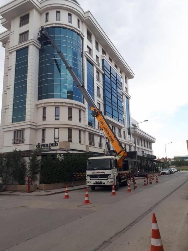 Yeni Yüksek Metraj Sepetli Platform Araç Parkurumuza Katıldı
